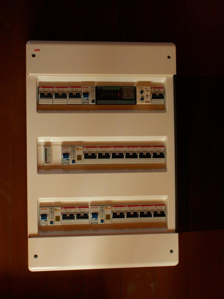схема электропроводки в 3 этажном коттедже