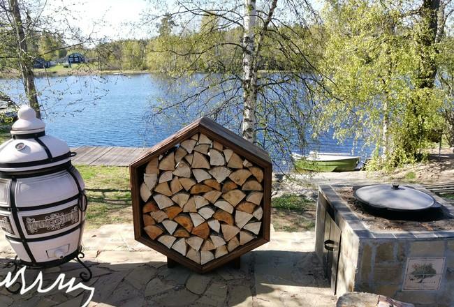 Как разнести дрова по участку?